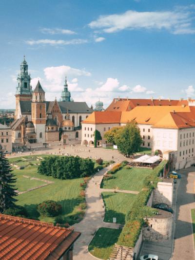 Służymy kompleksową pomocą w legalizacji pobytu w Polsce - Kancelaria Prawna Lex Patronum_